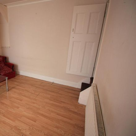 Rent this 2 bed house on Darfield Avenue in Leeds LS8 5DF, United Kingdom