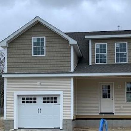 Rent this 3 bed house on 97 Dudley Avenue in Warwick, RI 02889