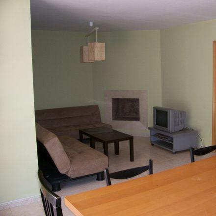 Rent this 8 bed room on Calle de Don Severo Ochoa in 40, 28670 Villaviciosa de Odón