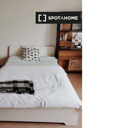 Rent this 2 bed room on Lucemburská 1830/34 in 130 00 Prague, Czechia
