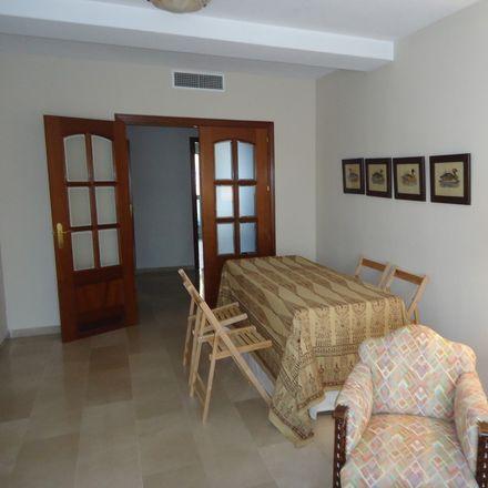 Rent this 1 bed room on Av. de Medina Azahara in Córdoba, Spain
