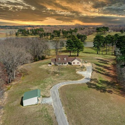 Rent this 3 bed house on Leach Rd in Huntingdon, TN