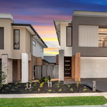Rent this 3 bed house on Cranbourne North