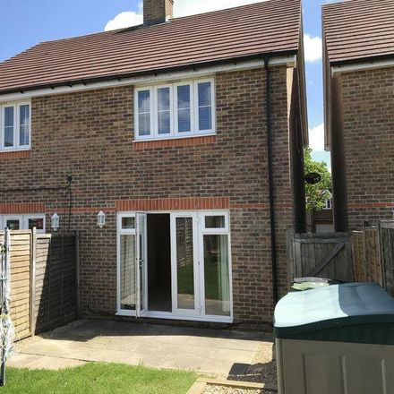 Rent this 2 bed house on The Acorns in Winchester PO7 6DQ, United Kingdom