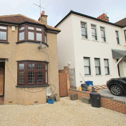 Rent this 2 bed house on Hillside Road in Hertsmere WD23 2HA, United Kingdom