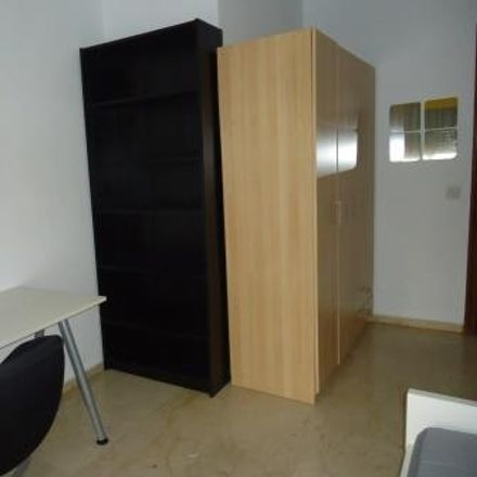 Rent this 3 bed room on Calle Reyes Católicos in 5, 14001 Córdoba