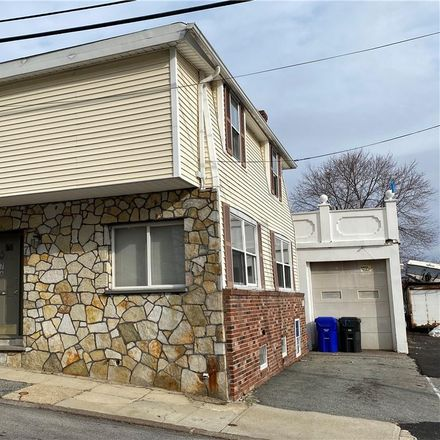 Rent this 4 bed apartment on 7 Prospect Hill Avenue in West Warwick, RI 02893