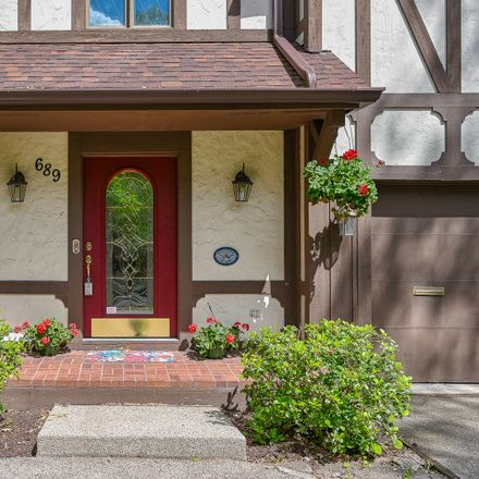 Rent this 4 bed house on 689 North Main Street in Glen Ellyn, IL 60137