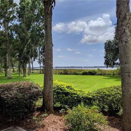 Rent this 5 bed loft on Bryan Ln in Palm Harbor, FL