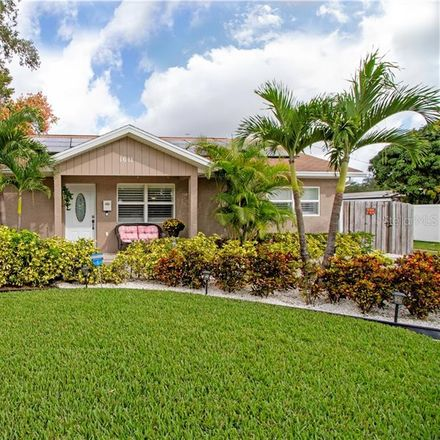 Rent this 3 bed house on 1611 46th Avenue North in Saint Petersburg, FL 33714