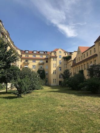 Rent this 4 bed apartment on Elbvillenweg 11 in 01139 Dresden, Germany