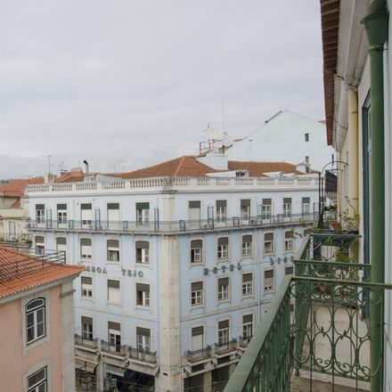 Rent this 3 bed room on Beco do Rosendo in 1100-611 Lisbon, Portugal
