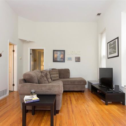 Rent this 1 bed condo on 1942 Sidney Street in St. Louis, MO 63104