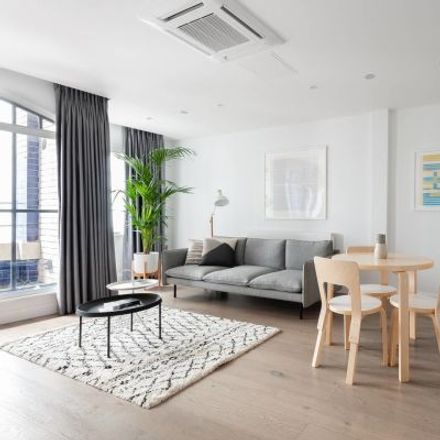 Rent this 3 bed apartment on Vantra Loungevity in 5 Wardour Street, London