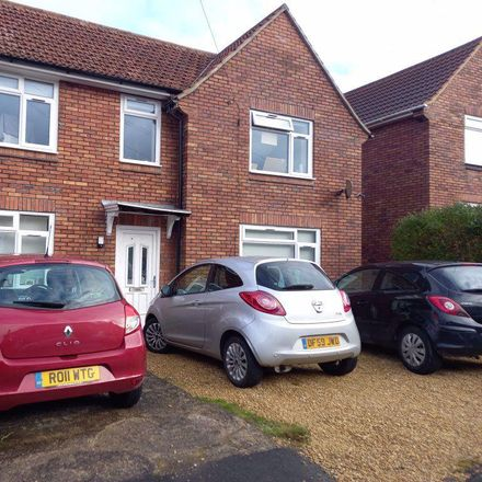 Rent this 5 bed house on 16 Gorse Hill in Bristol BS16 4EG, United Kingdom