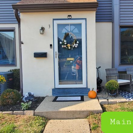 Rent this 2 bed townhouse on Fitzwatertown Rd in Willow Grove, PA