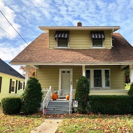 Rent this 3 bed house on Hampton Ave in Erie, PA