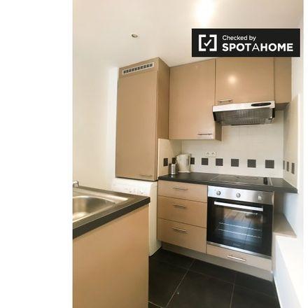 Rent this 2 bed apartment on Rue de Flandre - Vlaamsesteenweg 144 in 1000 Ville de Bruxelles - Stad Brussel, Belgium