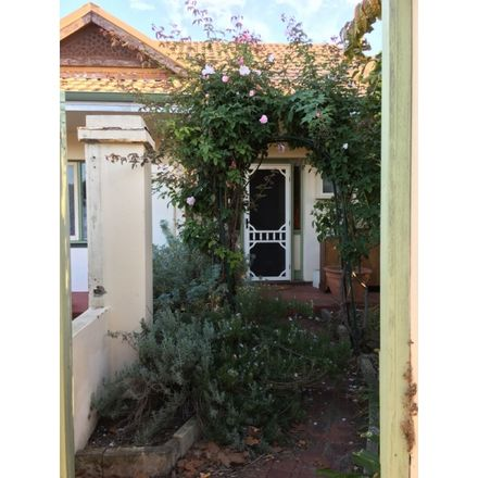 Rent this 3 bed house on 377 Bulwer Street