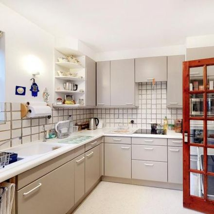 Rent this 2 bed apartment on Cyprus Road in London N3 3RX, United Kingdom