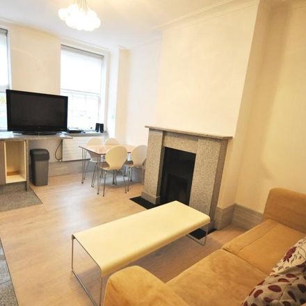Rent this 1 bed apartment on Goodwood Court in 54-57 Devonshire Street, London W1W 5DU