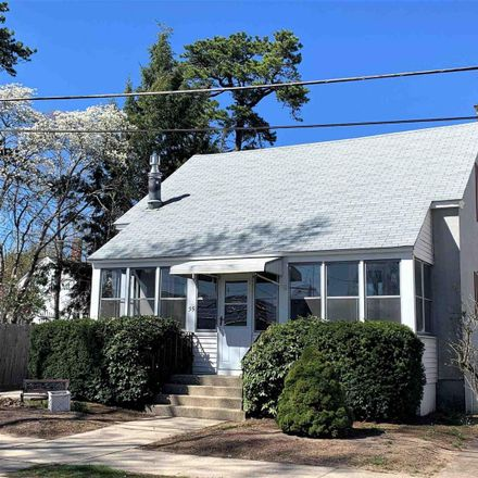 Rent this 3 bed house on 35 Grand Avenue in Nashua, NH 03060