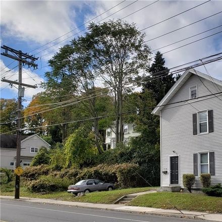 Rent this 2 bed townhouse on Cherry St in Naugatuck, CT