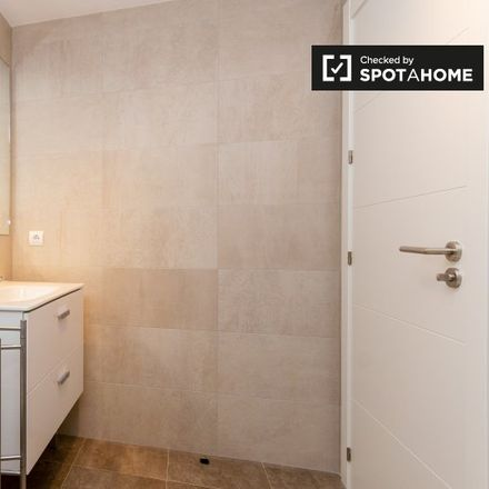 Rent this 3 bed apartment on Travesía General Hierro Martínez in 28001 Madrid, Spain