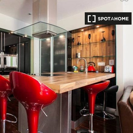 Rent this 2 bed apartment on The Copper Bar / Holy Cow Steakhouse in 8 Blackthorn Road, Blackthorn