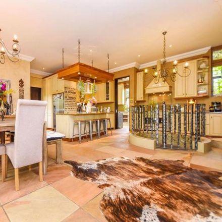 Rent this 4 bed house on Heron Place in Maroeladal, Randburg