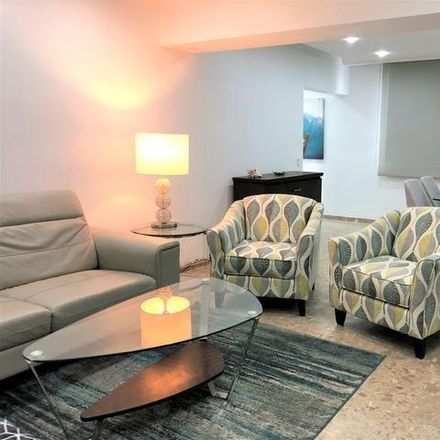 Rent this 3 bed condo on PR 00907