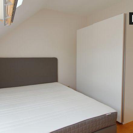Rent this 2 bed apartment on Avenue du Pois de Senteur - Pronkerwtlaan 53 in 1020 Ville de Bruxelles - Stad Brussel, Belgium