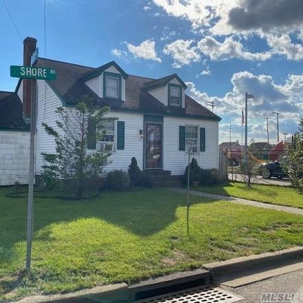 Rent this 4 bed house on Lindenhurst in Heer Park, NY