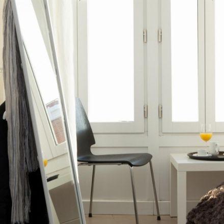 Rent this 3 bed apartment on Dos Interiorismo in Carrer de la Mar, 46001 Valencia