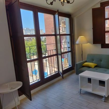 Rent this 2 bed apartment on Carrer de Vidal Canelles in 21, 46011 Valencia