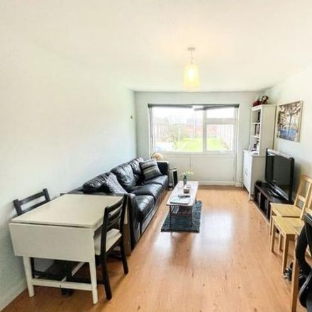 Rent this 1 bed apartment on Brunel Close in Maidenhead SL6 2RN, United Kingdom