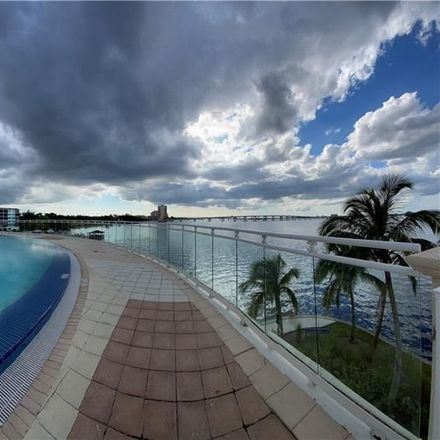 Rent this 1 bed condo on 1st St in Fort Myers, FL