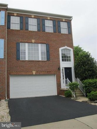 Rent this 3 bed townhouse on 4156 Calais Point Court in Chantilly, VA 22033