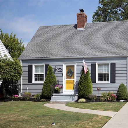 Rent this 3 bed house on 376 Wardman Road in Kenmore, NY 14217