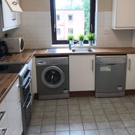 Rent this 1 bed room on St Helen's Wood in Booterstown, Blackrock