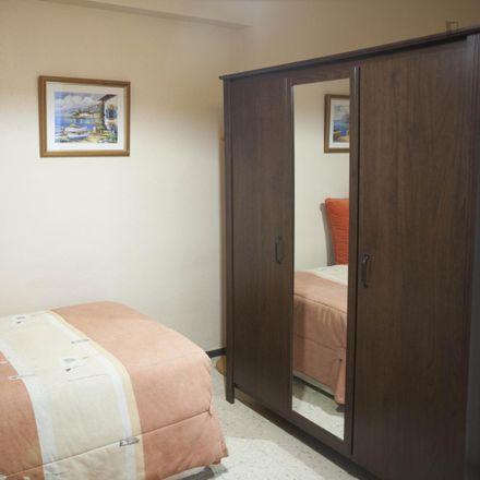 Rent this 3 bed room on 41927 Mairena del Aljarafe