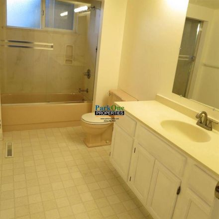 Rent this 1 bed room on Walnut Creek