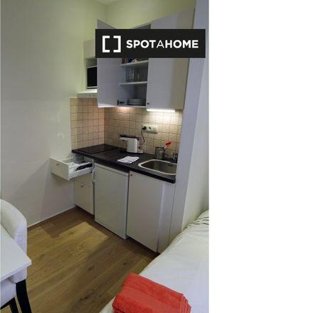 Rent this 0 bed apartment on Rue Charles Quint - Keizer Karelstraat 94A in 1030 Schaerbeek - Schaarbeek, Belgium