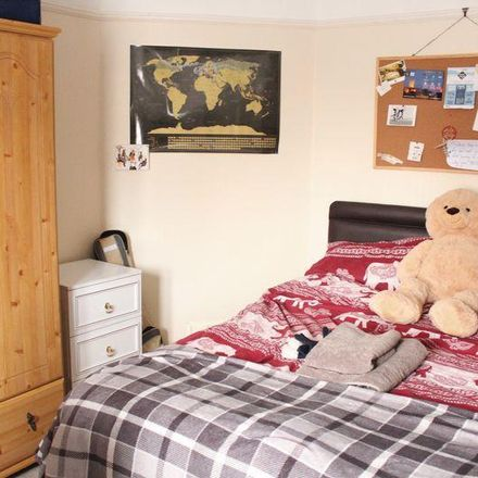 Rent this 3 bed room on Woodstock Road in Worcester WR2 5NE, United Kingdom