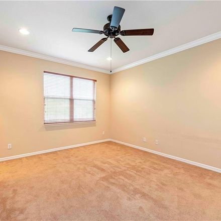 Rent this 3 bed townhouse on Limestone Dr in Sarasota, FL