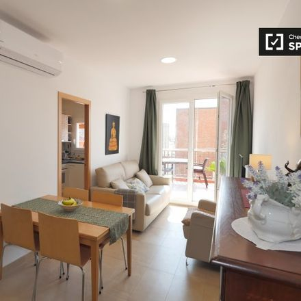 Rent this 2 bed apartment on Freestyle Dance Center in Carrer de Pavia, 52