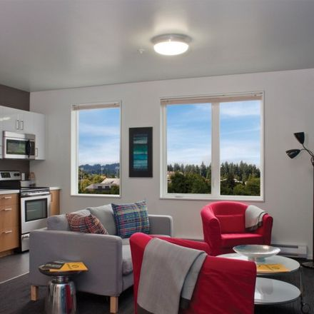 Rent this 3 bed apartment on Courtside in Orchard Street, Eugene