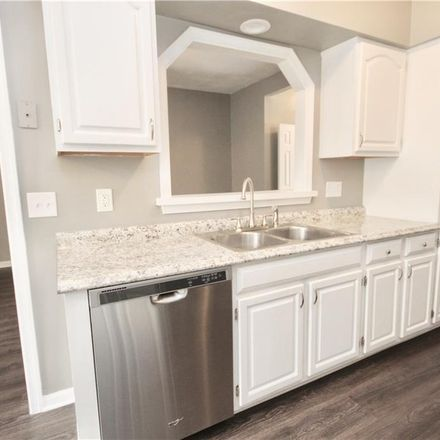 Rent this 3 bed townhouse on 815 Elgin Court in Chesapeake, VA 23320