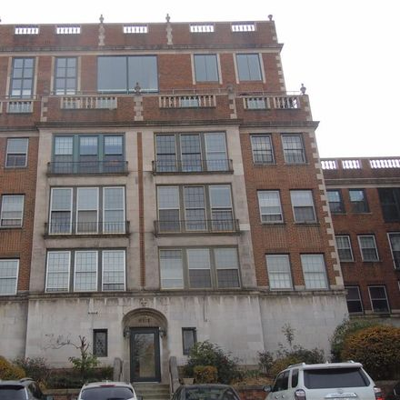 Rent this 3 bed condo on 11430 Cedar Glen Parkway in Cleveland, OH 44106