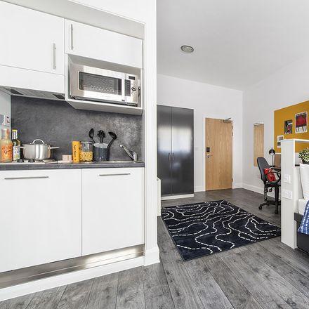 Rent this 3 bed room on Döblerhofstraße in Wien, Austria